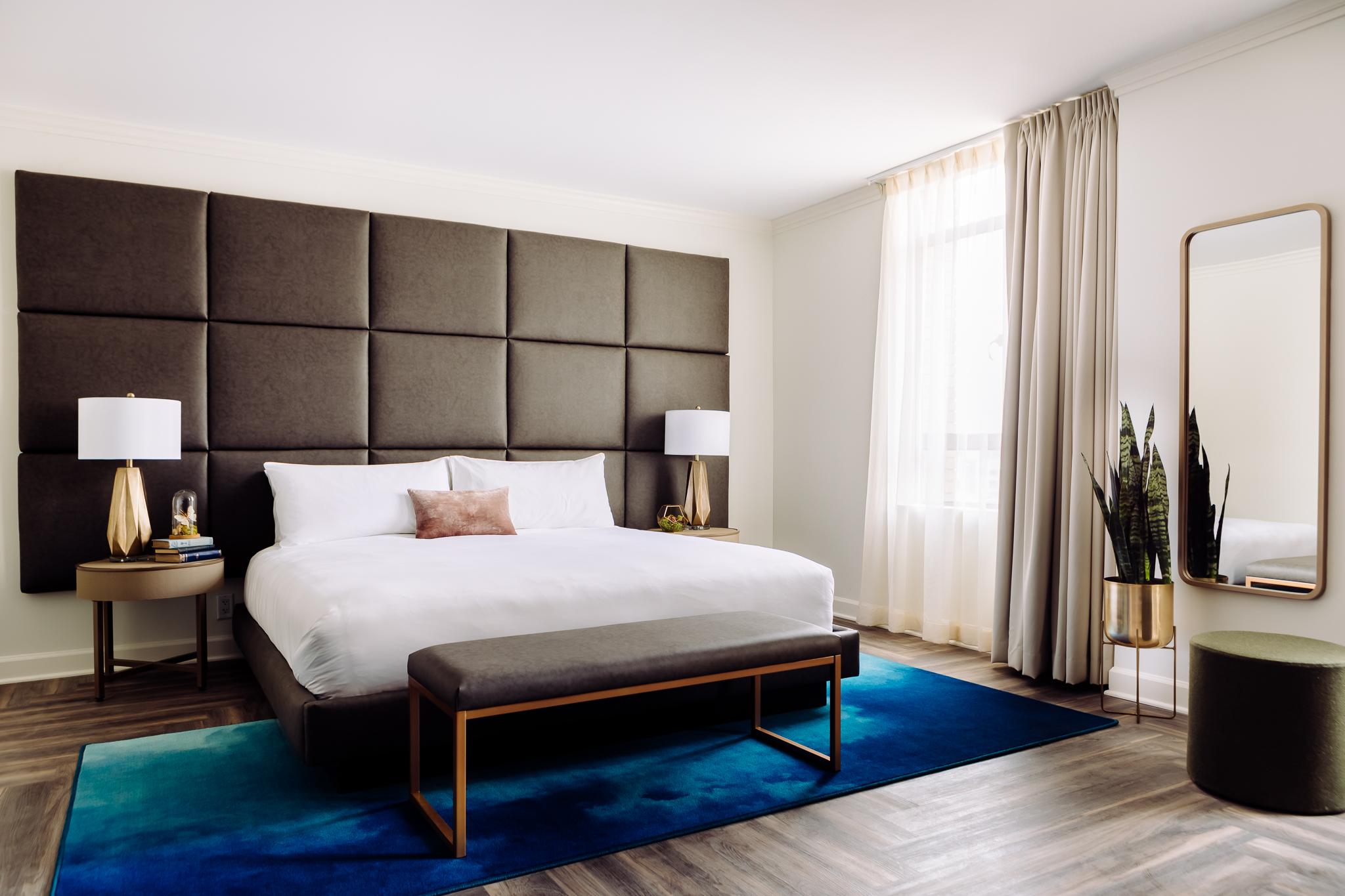 ADA King Room At Hotel Deco Omaha