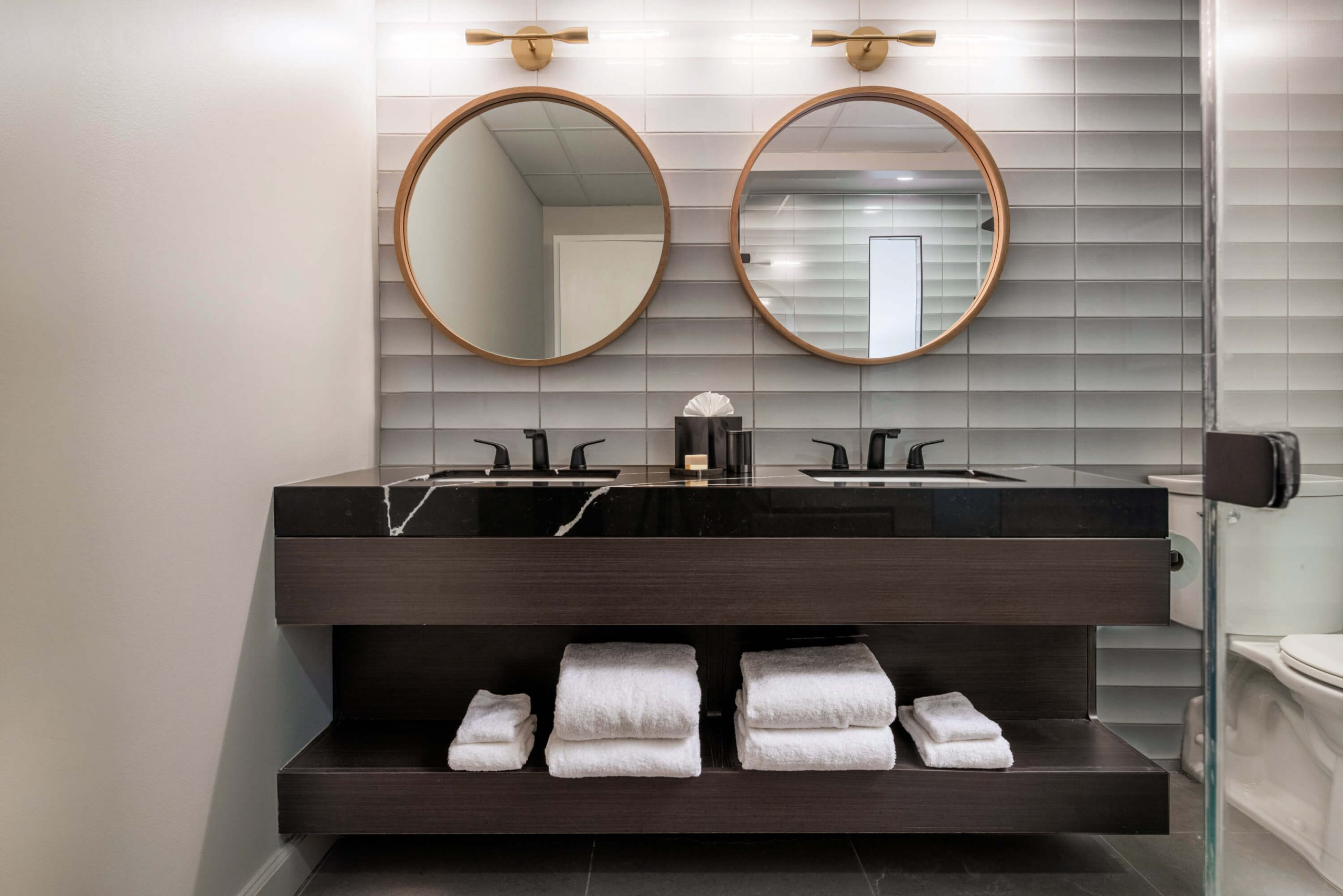 Premier King Suite bathroom